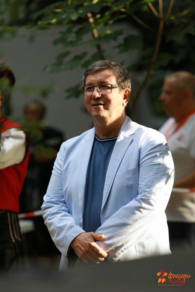 Виктор Касъмов: Фолклорната магия има силата да ни обедини